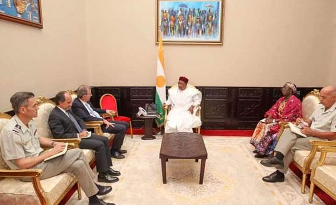 SECURITE : Le Président Issoufou invité à Pau, le front social s'y oppose