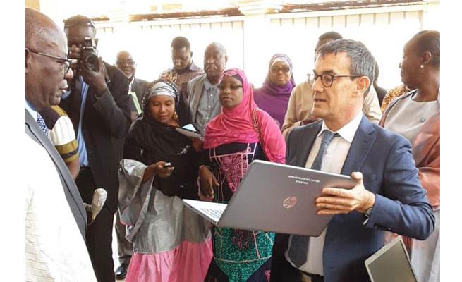 ÉLECTIONS 2021 : Le PAGOD offre 147 ordinateurs à la CENI