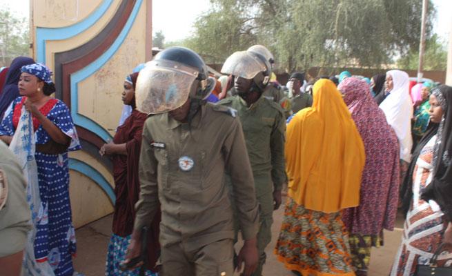 SOCIETE : Irruption de la Police Nationale dans une rencontre d'enseignants