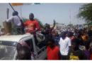 TANOUT : la population excédée par le problème d'électricité envahit la rue
