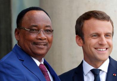 Le Président Macron à l'instant à Niamey