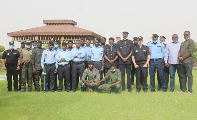 MIGRATION : Session de Formation des fonctionnaires de police au sein de la Division des Investigations Spéciales (DIS) de la Direction de la Surveillance du Territoire (DST)