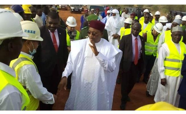 A L'INSTANT : Arrivée du Chef de l'Etat sur le chantier de construction du 3ème Pont de Niamey